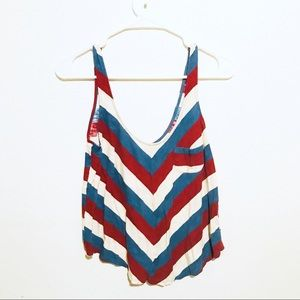 BDG   CROPPED CHEVRON MUSCLE TEE